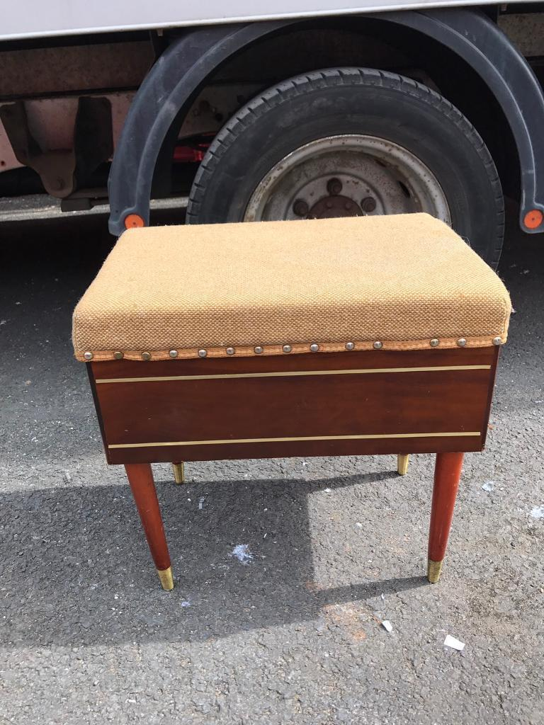 Retro stool/storage box