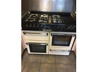 Gas range SOLD. cooker. REDUCED must go space needed only £100