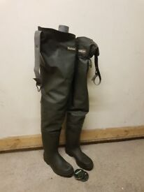 Barbour Fishing Waders (Size 8)