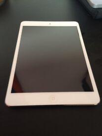 Apple Ipad mini 16 GB White with ZAGG Folio Bluetooth keyboard