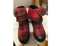 Women's Boots Leather. Never used. Size 5/38