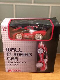 Wall Climbing remote control car - Toy