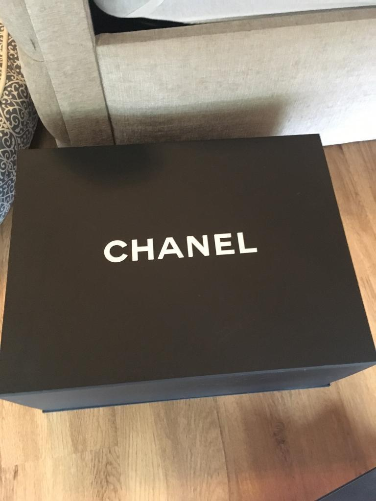 Authentic Chanel bag storage box gift wrapping