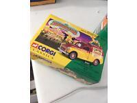 Corgi Classica 06601 Morris 1000 Advanced Publicity Van Set
