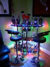bar, 3barstools, table & glass art picture