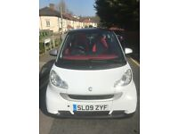 White Smart Car ForTwo Coupe Passion 2009