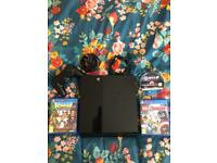 PlayStation 4 500gb / comes with 1 x controller and 3 games