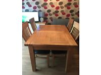 Oak Extendable Dining Table & 4 Chairs - excellent condition