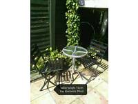 Garden table 2 metal chairs