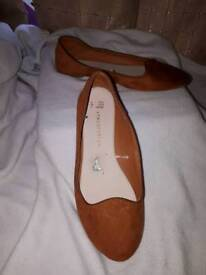 Immaculate brown party shoes size 3