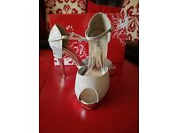 Ladies silver rhinestone shoes size 5