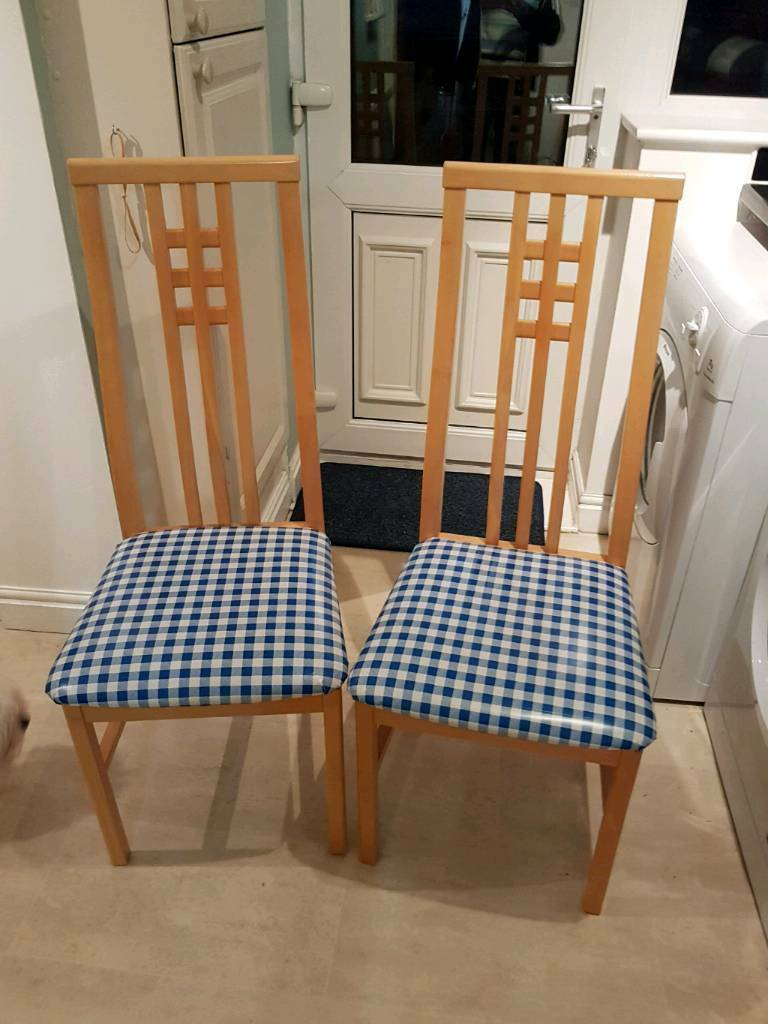 4 Matching dining chairs