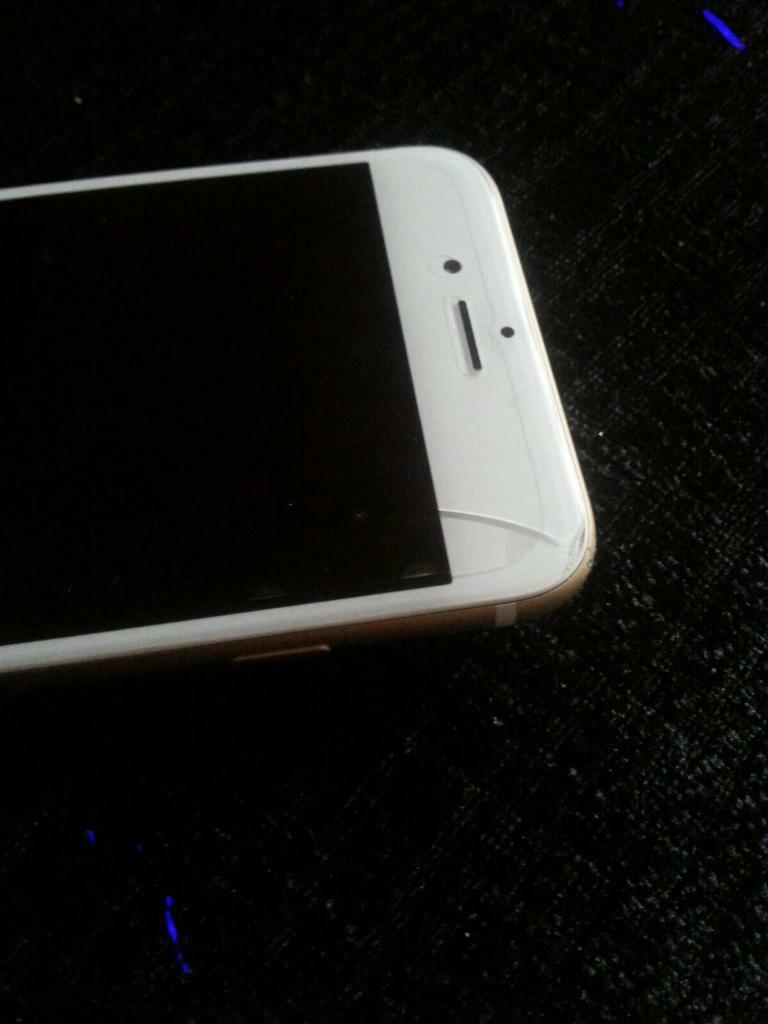 iPhone 6s Gold 64GB Unlockedin Chadderton, ManchesterGumtree - Unlocked iPhone 6s Gold unlocked to any network. Has a light crack on the screen which has no affect on the phone. In great condition fully working