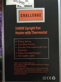 Upright fan heater with thermostat