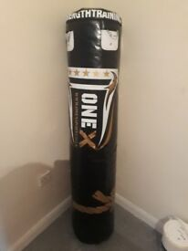 5ft punch bag with extras