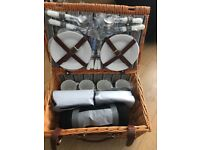 New 4 piece picnic set