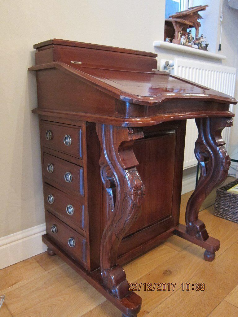 Beautiful Vintage Solid Gany Davenport Writing Desk Excellent Condition