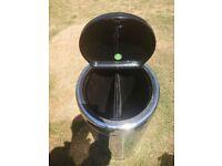 Brabantia 50/60l metal bin touch open