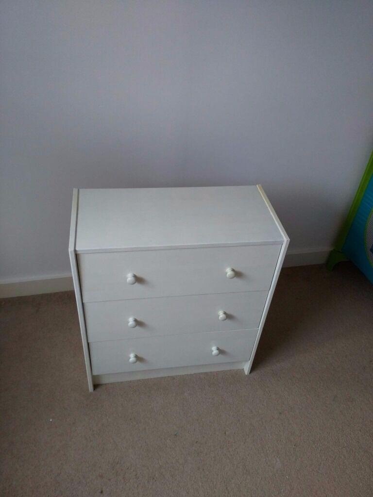 Chest of drawers White8in Ashton under Lyne, ManchesterGumtree - Chest of drawers White size 62cm x30cm x69cm, for more info pls text me