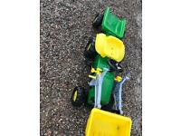 Kids John Deere ride on tractor and trailer with side loader £50 Ono
