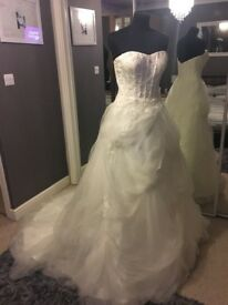 Brand New Wedding Dress (Ex Stock) Size 14/16