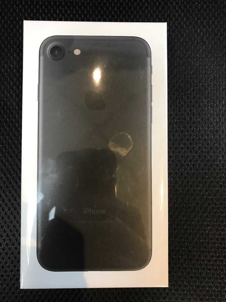 IPHONE 7 128GB MATT BLACK COLOUR UNLOCKED BRAND NEW SEALED FULL APPLE WARRANTY