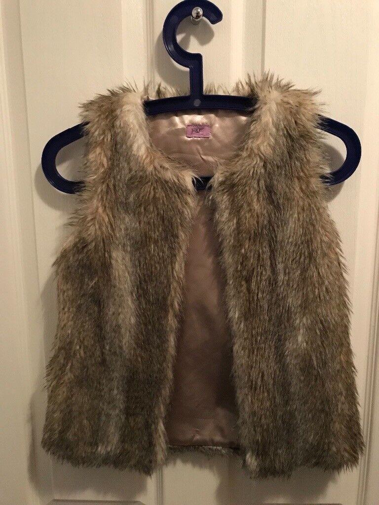 Girls fur gilet 8-9 years