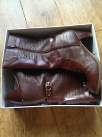 Doc Martin Dr Martins Carla Mid Length Brown Leather Detailed Size 4 Boots Excellent Condition