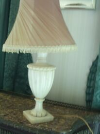 SMALL MARBLE STYLE TABLE LAMP RETRO