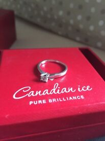 GOLDSMITH CANADIAN ICE 9CT WHITE GOLD .20CT DIAMOND RING COST £699 NEW