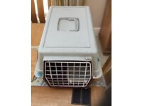 Pet travelling cage, suitable for cat, kitten, rabbit etc