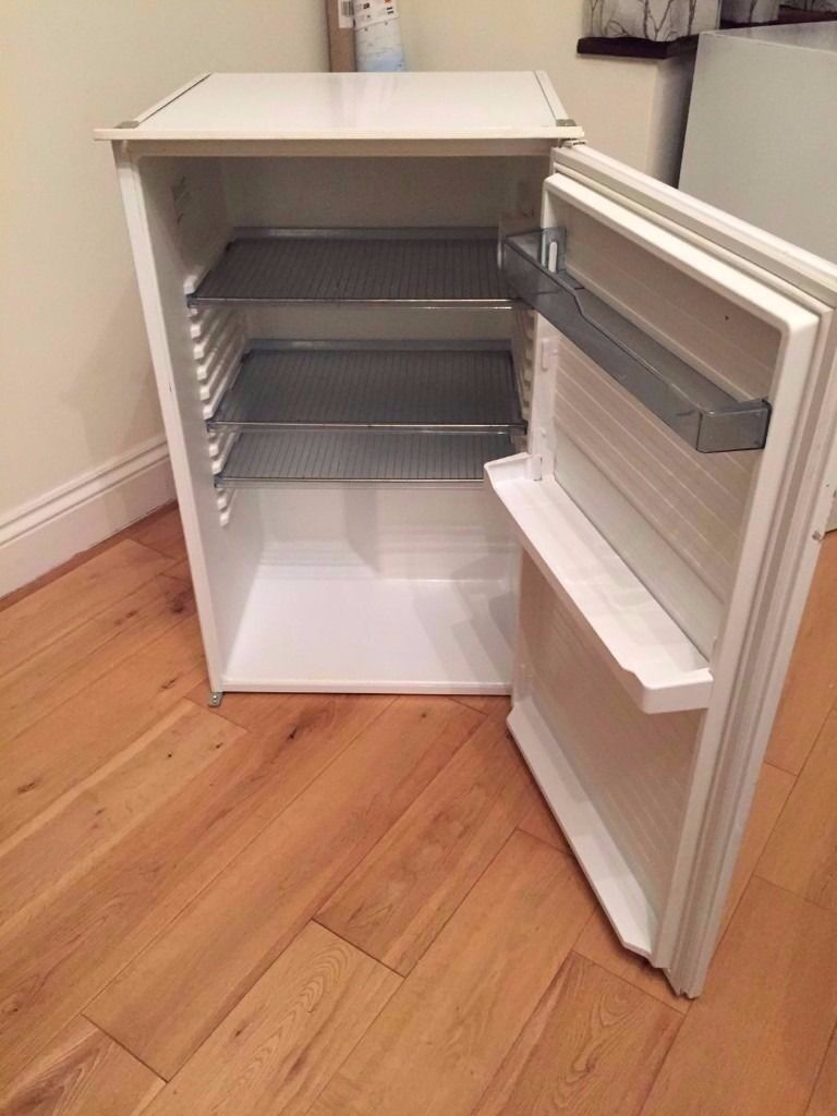 **JAY'S APPLIANCES**BASIC FRIDGE**ONLY £30**BARGAIN!!**DELIVERY**MORE AVAILABLE**