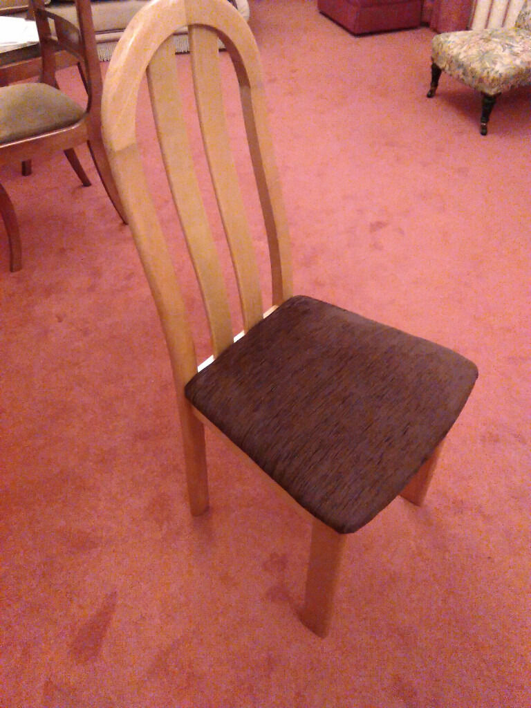Dining chairs, Oak with brown padded seatset of 6 chairsin Fairmilehead, EdinburghGumtree - Dining chairs, Oak with brown padded seat set of 6 chairs Dining chairs, Oak with brown padded fabric seat set of 6 chairs. In very good condition