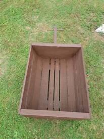 Yankee style wagon planter