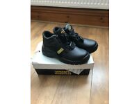 Size 9 sitesafe steel toe boots