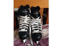 Boys ice skates size 1
