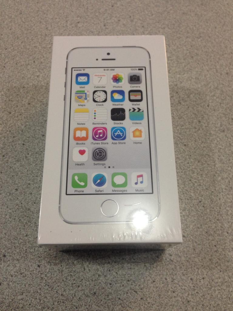 Brand new iPhone 5s silver 16GB unlocked sealedin Accrington, LancashireGumtree - Comes with 12 months apple warranty.Sealed never been opened Any questions ask freely