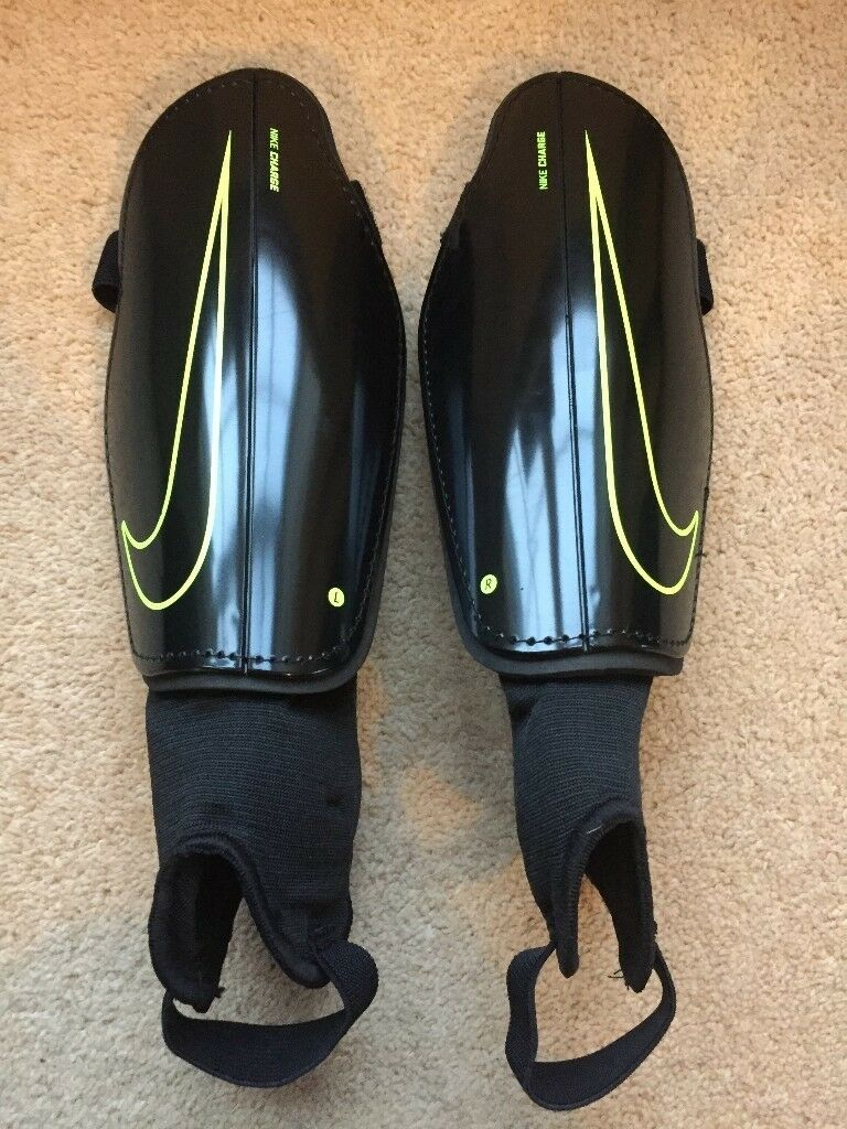 Brand New - Nike 'Charge' Football Shinpads - Soccer Shin Guards - Ankle Protection
