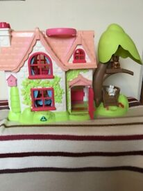 Happyland Cherry Lane Cottage first doll's house
