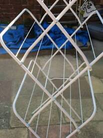Dry clothes airer