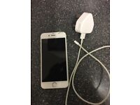 Iphone6 silver 16gb (cracked screen)