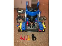 Batman robo batcave playset