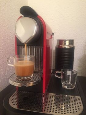 nespresso citiz milk plus gratis kapselhalter in hannover vahrenwald list kaffeemaschine. Black Bedroom Furniture Sets. Home Design Ideas