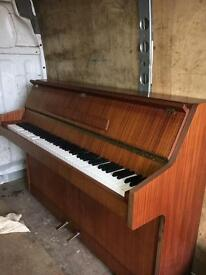 Bentley Piano