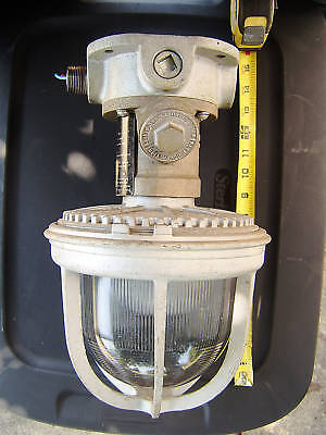 BENJAMIN ELECTRIC HAZARDOUS LOCATION LIGHT 300W