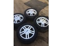 Ford Focus alloy wheels with 4 excellent tyres