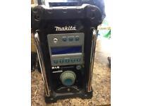 Makita dab radio with one battery