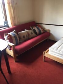 Clean and spacious room in Sutton Surrey