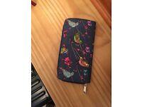 Lovely Bird purse. Unused. Large storage.
