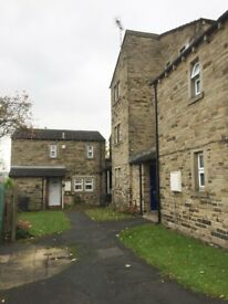 FLAT TO RENT (top floor) NEAR BUS STATION HUDDERSFIELD